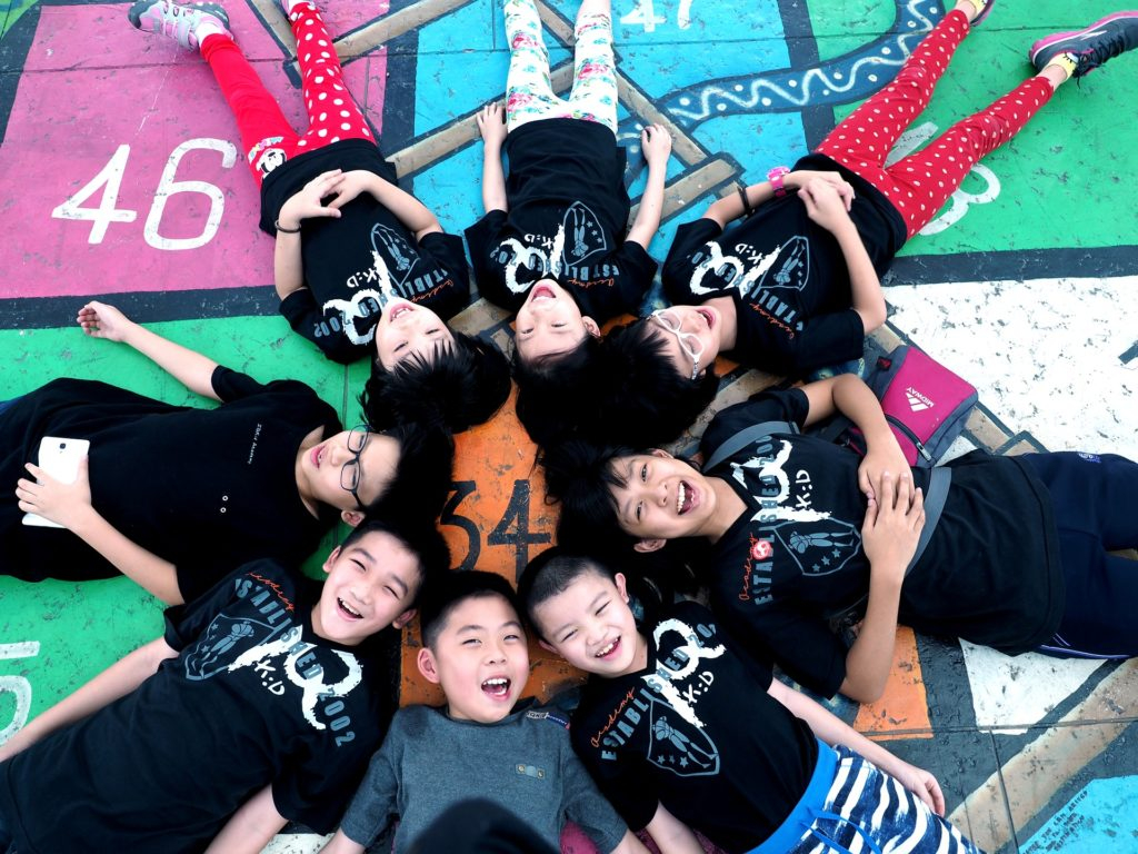 Dinámicas grupales jovenes niños